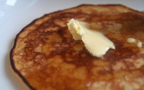 panacakes with maple syrup and butter